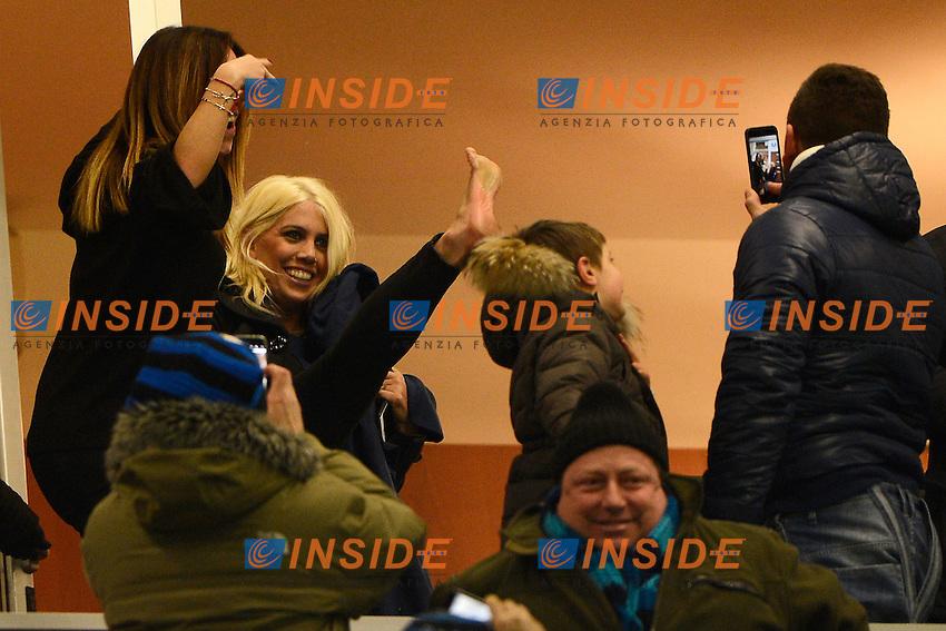 Esultanza Wanda Nara in tribuna al gol del marito Mauro Icardi Inter 1-1. Wanda Nara, wife of Mauro Icardi celebrates at the goal of her husband <br /> Milano 14-01-2017 Stadio Giuseppe Meazza - Football Calcio Serie A Inter - Chievo Verona. Foto Giuseppe Celeste / Insidefoto
