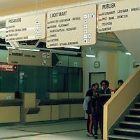 Maart 1990. Luchthaven van Deurne.
