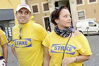 Roma, 28 Settembre 2015<br /> Lavoratrici e lavoratori Ikea protestano contro la riduzione dei salari imposti da  Ikea. <br /> Ikea workers protest against the lowering of wages by Ikea.