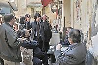 Palermo: 2012 elections, campaign of the left candidate Fabrizio Ferrandelli visiting the historic market of Ballarò..Palermo: elezioni 2012, il candidato della sinistra Fabrizio Ferrandelli in campagna elettorale visita e parla con gli abitanti del quartiere Ballarò.