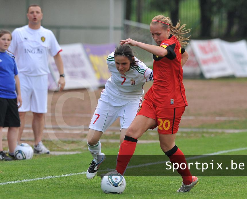 Hungary - Hongarije : UEFA Women's Euro Qualifying group stage (Group 3) - 20/06/2012 - 17:00 - szombathely  - : Hungary ( Hongarije ) - BELGIUM ( Belgie) :.duel tussen Janice Cayman en Lila Sipos.foto DAVID CATRY / JOKE VUYLSTEKE / Vrouwenteam.be.
