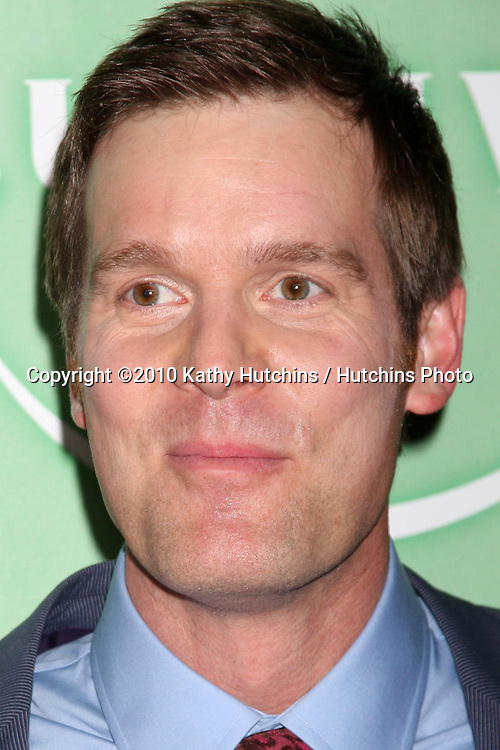 Peter Krause.arriving at the 2010 Winter NBC TCA Party .Langford Hotel.Pasadena, CA.January 10, 2010.©2010 Kathy Hutchins / Hutchins Photo....