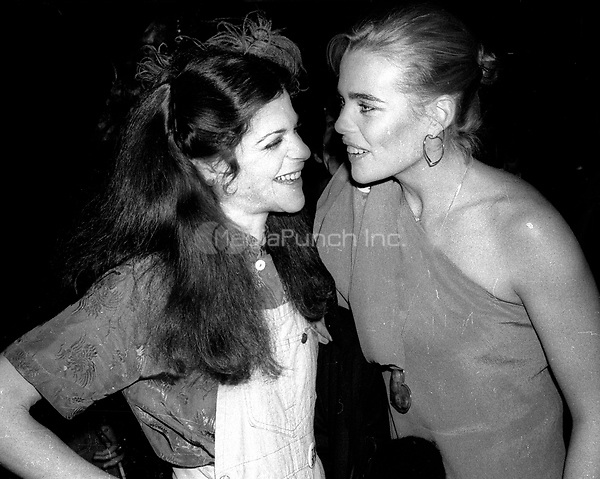 1978 <br /> New York City<br /> Gilda Radner Margeaux Hemingway at Studio 54<br /> Credit: Adam Scull-PHOTOlink/MediaPunch