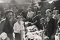 Iraq 1954 <br /> Salesmen in the bazar of Suleimania <br /> Irak 1954 <br /> Vendeurs au marche de Souleimania