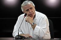 SÃO PAULO,SP,19 SETEMBRO 2013 - TREINO CORINTHANS - Roberto de Andrade Diretor de futebol  do Coritnhians durante entrevista coletiva no CT Joaquim Grava na zona leste de São Paulo na tarde desta sexta feira.FOTO ALE VIANNA - BRAZIL PHOTO PRESS.