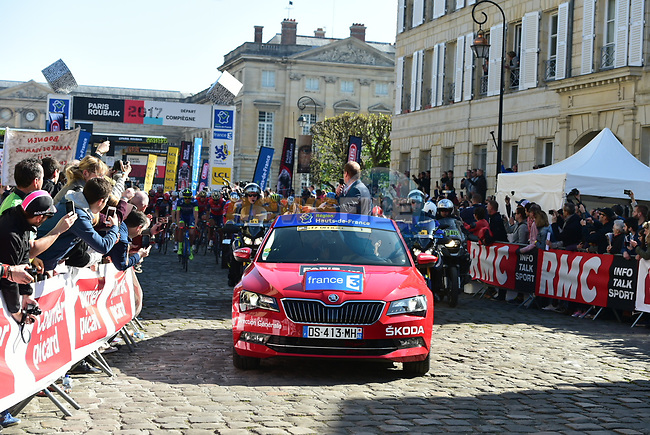 The start in Compiegne of the 115th edition of the Paris-Roubaix 2017 race running 257km Compiegne to Roubaix, France. 9th April 2017.<br /> Picture: ASO/P.Ballet | Cyclefile<br /> <br /> <br /> All photos usage must carry mandatory copyright credit (&copy; Cyclefile | ASO/P.Ballet)
