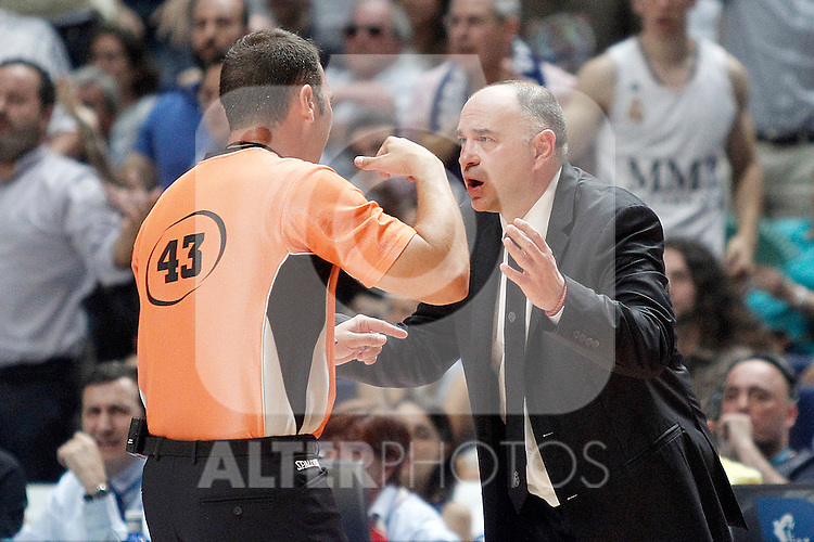 Real Madrid's coach Pablo Laso have words with the referee during Liga Endesa ACB Semifinal match.June 6,2014. (ALTERPHOTOS/Acero)