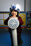 Welsh Water Shorter Shower Campaign at Mount Pleasant Primary School..Misaki Koga.01.12.11.©Steve Pope