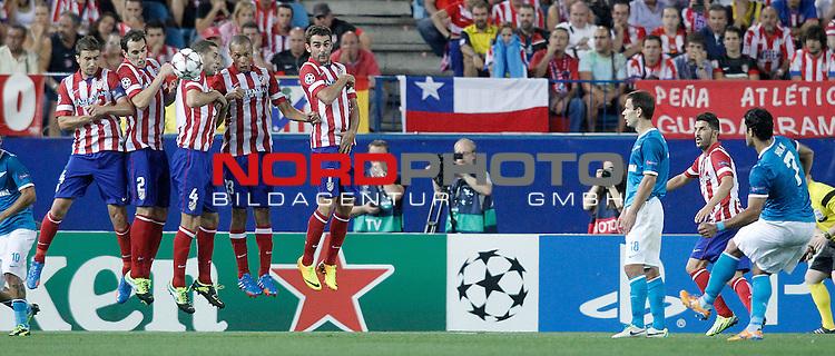 Atletico de Madrid's Gabi Fernandez, Diego Godin, Mario Suarez, Joao Miranda and Adrian Lopez during Champions League 2013/2014 match.September 18,2013. Foto © nph / Acero)