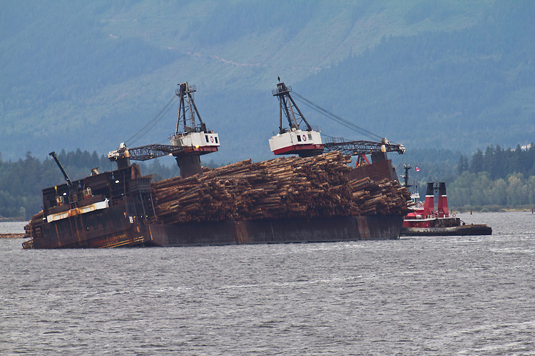 Vancouver Island, Port Alberni, Alberni Inlet, self dumping log barge, tug, Seaspan Commodore, British Columbia, Canada,