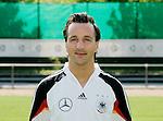 Fussball INTERNATIONAL EURO 2004 Nationalmannschaft ; DFB ; Deutschland, FOTOTERMIN    Jens jeremies