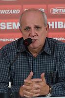 SÃO PAULO, SP, 07 DE OUTUBRO DE 2013 - TREINO SAO PAULO - O Fisioterapeuta José Sanchez, durante coletiva de imprensa, no CT da Barra Funda, região oeste da capital, na tarde desta segunda feira, 07.  FOTO: ALEXANDRE MOREIRA / BRAZIL PHOTO PRESS