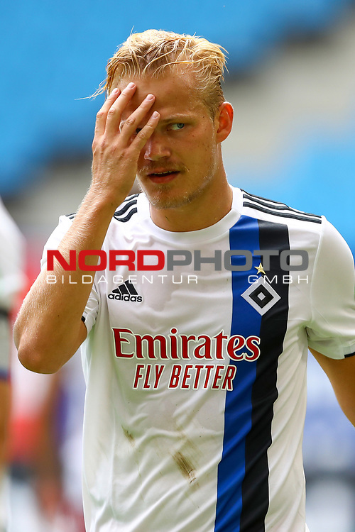 iHamburgs Joel Pohjanpalo beim Spiel Hamburger SV gegen den  SV Sandhausen in Hamburg / 280620<br />