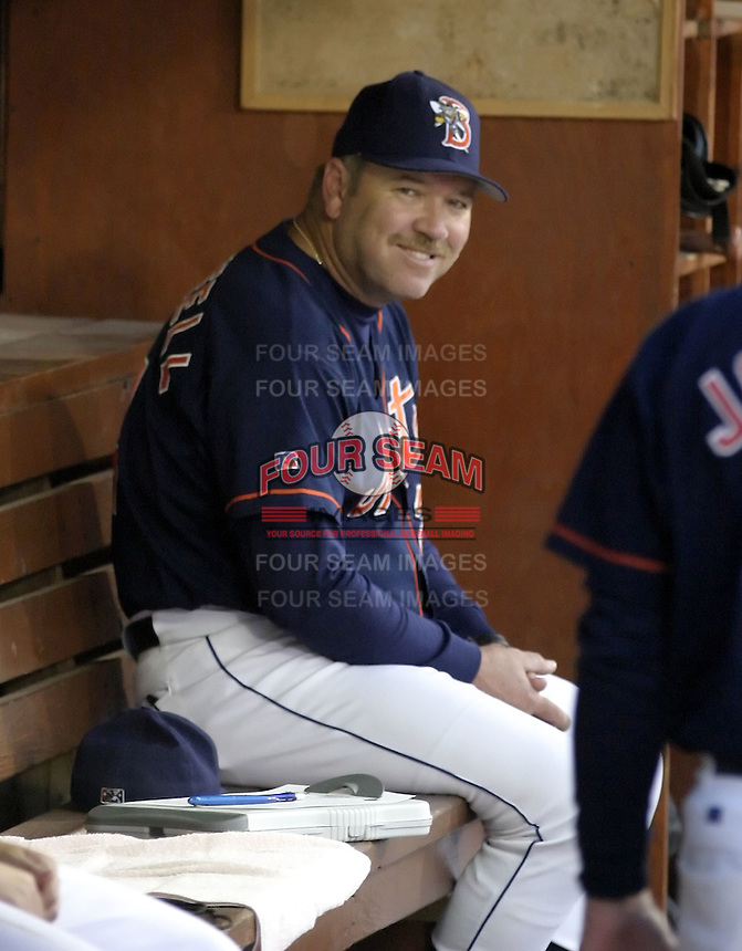 September 2, 2004:  Manager Ken Oberkfell of the Binghamton Mets, Eastern League (AA) affiliate of the New York Mets, during a game at NYSEG Stadium in Binghamton, NY.  Photo by:  Mike Janes/Four Seam Images