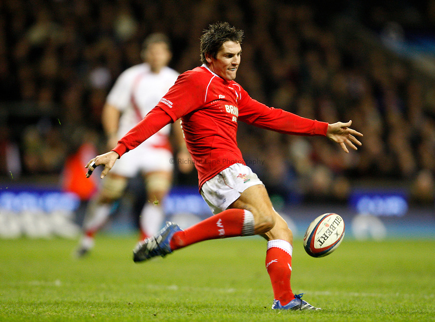 Photo: Richard Lane/Richard Lane Photography. ..England v Wales. RBS Six Nations. 02/02/2008. Wales' James Hook kicks.