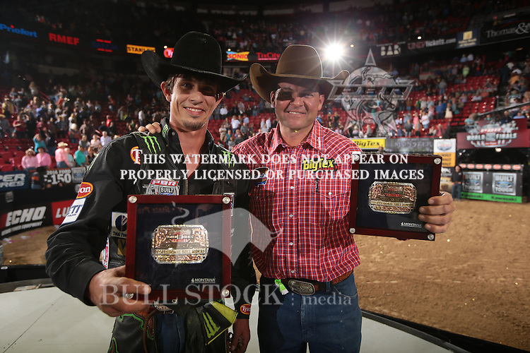 JB Mauney and Bruiser owned by D&H/Buck wins the fourth round of the World Finals Built Ford Tough Series PBR. Photo by Andy Watson