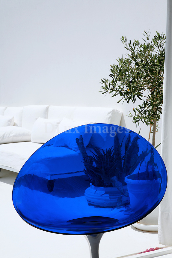 contemporary blue chair