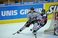 IJSHOCKEY: HEERENVEEN: IJsstadion Thialf, 02-02-2013, Eredivisie, UNIS Flyers - Amsterdam G's, Eindstand: 9-2, Dax van de Velden (#20 | Amsterdam), Trevor Hunt (#24 | Flyers), ©foto Martin de Jong