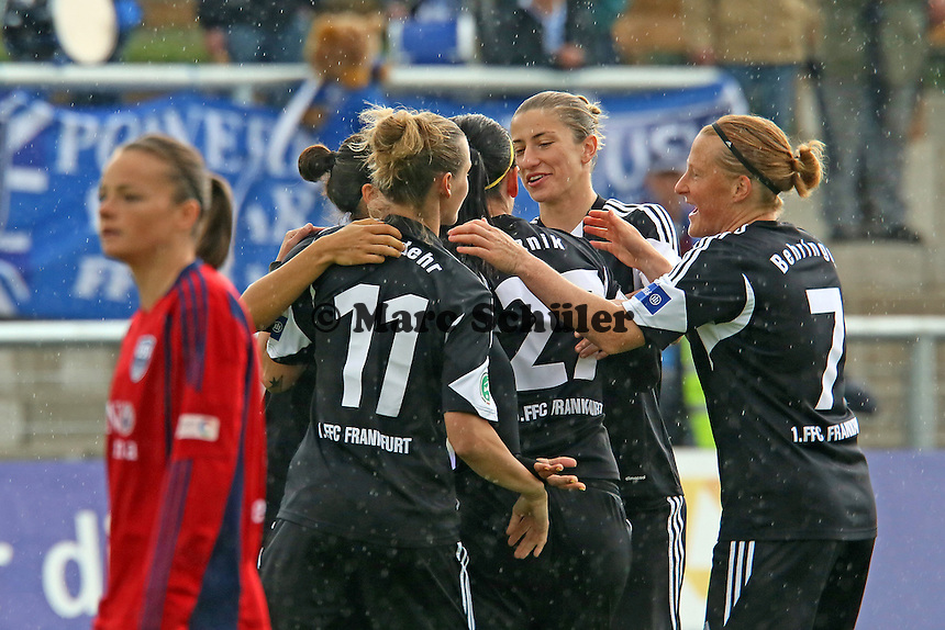 Torjubel um Peggy Kuznik (FFC) beim 1:0 - 1. FFC Frankfurt vs. USV FF Jena