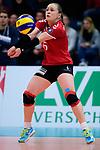 03.12.2017, Halle Berg Fidel, Muenster<br />Volleyball, Bundesliga Frauen, Normalrunde, USC MŸnster / Muenster vs. Rote Raben Vilsbiburg<br /><br />Annahme Michaela Bertalanitsch (#6 Vilsbiburg) / Libero<br /><br />  Foto &copy; nordphoto / Kurth