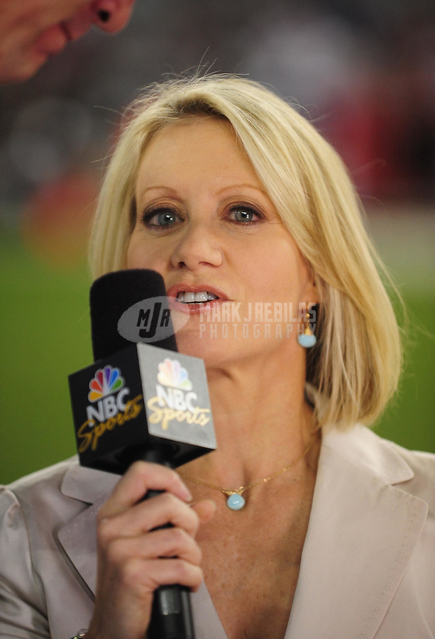 Sept. 27, 2009; Glendale, AZ, USA; NFL sideline reporter Andrea Kremer during the game between the Arizona Cardinals against the Indianapolis Colts at University of Phoenix Stadium. Indianapolis defeated Arizona 31-10. Mandatory Credit: Mark J. Rebilas-