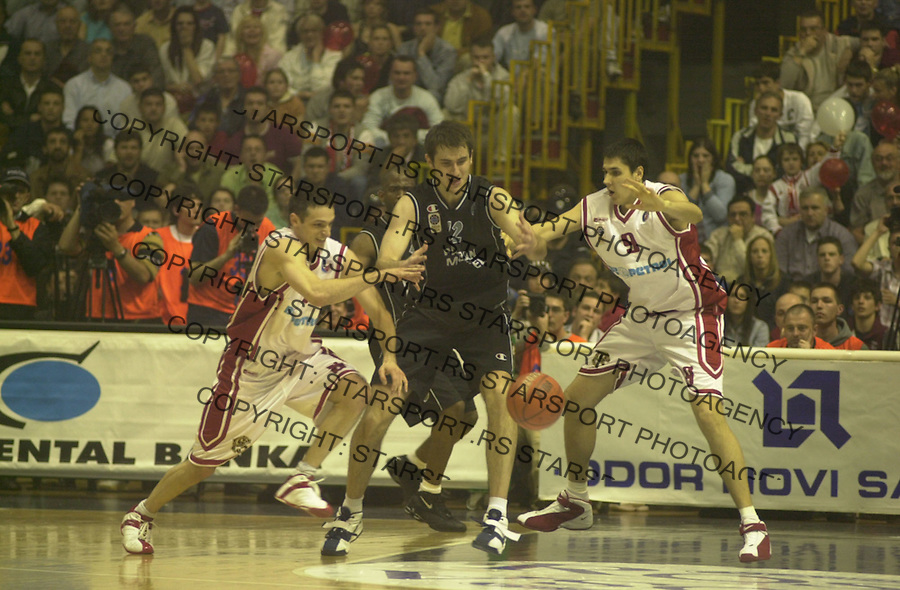 SPORT KOSARKA CRVENA ZVEZDA PARTIZAN Rakocevic Krstic i Milos Mirkovic 28.04.2004. foto: Pedja Milosavljevic<br />