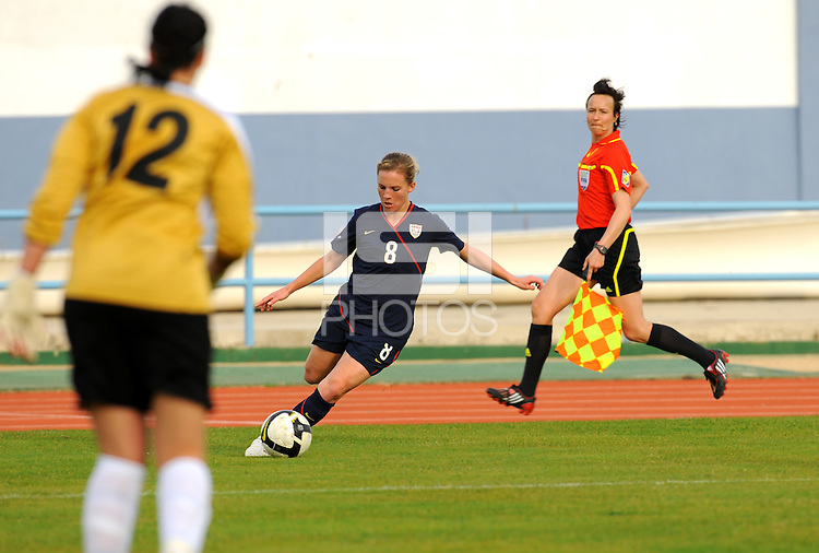 USA's Amy Rodriguez crosses the ball vs. Iceland.  The USWNT defeated Iceland (2-0) at Vila Real Sto. Antonio in their opener of the 2010 Algarve Cup on February 24, 2010.