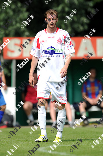 2013-07-15 / Voetbal / seizoen 2013-2014 / Rapid Leest - Hoogstraten VV / Michiel Lanslots<br /><br />Foto: Mpics.be