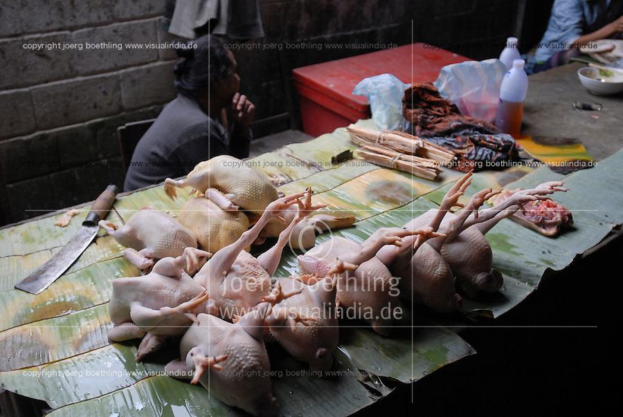 LAO PDR, Vientiane, market with farm chicken / LAOS, Vientiane, Frau verkauft Huehner auf dem Markt
