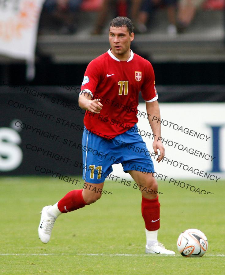 Serbia's player Dusko Tosic, in action, during Serbia U21 vs Czech U21 UEFA European Under 21 Championship Group B, Netherlands 2007, at De Goffert staduim in  Nijmegen, Holland on June 14, 2007 (Srdjan Stevanovic)