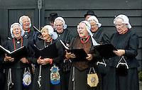 Nederland Zaanse Schans 2015 08 22.  Koor de Wieringer Sanghers treedt op tijdens de Folkloredag