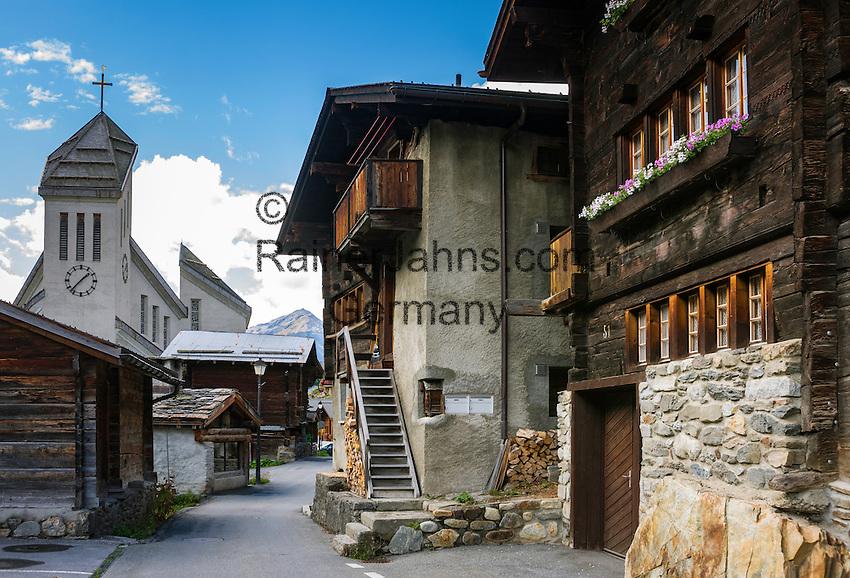 Switzerland, Canton Valais, Blatten (Loetschen) im Loetschental: village centre   Schweiz, Kanton Wallis, Blatten (Loetschen) im Loetschental: Dorf im oberen Teil des Tales, Ortszentrum