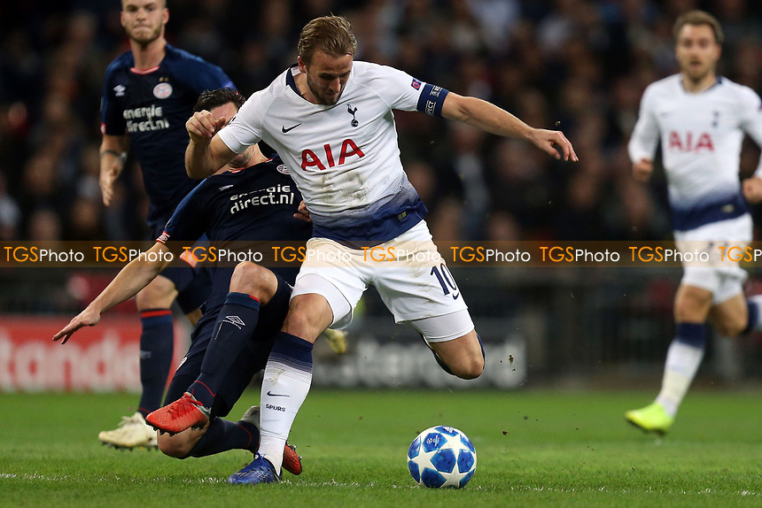 Nick Viergever of PSV Eindhoven and Harry Kane of Tottenham Hotspur during Tottenham Hotspur vs PSV Eindhoven, UEFA Champions League Football at Wembley Stadium on 6th November 2018