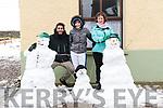 Eduardo Bidón Molina (Sevilla) with Molly and Helen Lovett (Dingle) enjoying a snow day in Dingle.