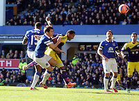 Pictured: Jonathan de Guzman of Swansea (C) scoring his equaliser with a header making the score 1-1. Sunday 16 February 2014<br /> Re: FA Cup, Everton v Swansea City FC at Goodison Park, Liverpool, UK.