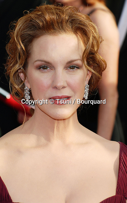 Elizabeth Perkins arriving at the SAG Awards at the Shrine Auditorium in Los Angeles. January 28, 2007.<br /> <br /> headshot<br /> eye contact