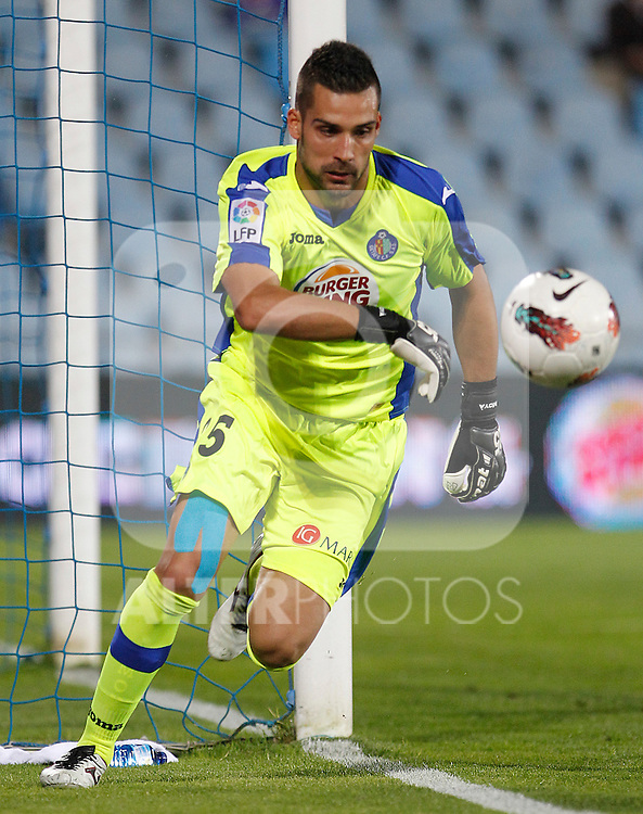 Getafe's Miguel Angel Moya during La Liga match.October 26,2011. (ALTERPHOTOS/Acero)