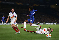 Chelsea's Willian is challenged by MOL Vidi's Attila Fiola<br /> <br /> Photographer Rob Newell/CameraSport<br /> <br /> UEFA Europa League - Group L - Chelsea v MOL Vidi - Thursday 4th October 2018 - Stamford Bridge - London<br />  <br /> World Copyright © 2018 CameraSport. All rights reserved. 43 Linden Ave. Countesthorpe. Leicester. England. LE8 5PG - Tel: +44 (0) 116 277 4147 - admin@camerasport.com - www.camerasport.com