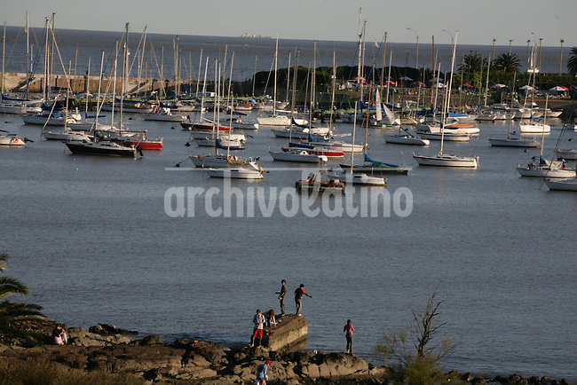 Puerto de Buceo en Montevideo.+turismo*Buceo harbour in Montevideo city.+tourism