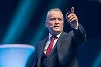 """09. Presentation """"How to make money with the Futuro Business"""" by Hugh-Paul Ward"""