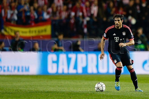 27.04.2016. Madrid, Spain.  Javi Martinez (8) Bayern Munich. UEFA Champions League Champions League between Atletico Madrid and Bayern Munich at the Vicente Calderon stadium in Madrid, Spain, April 27, 2016 .
