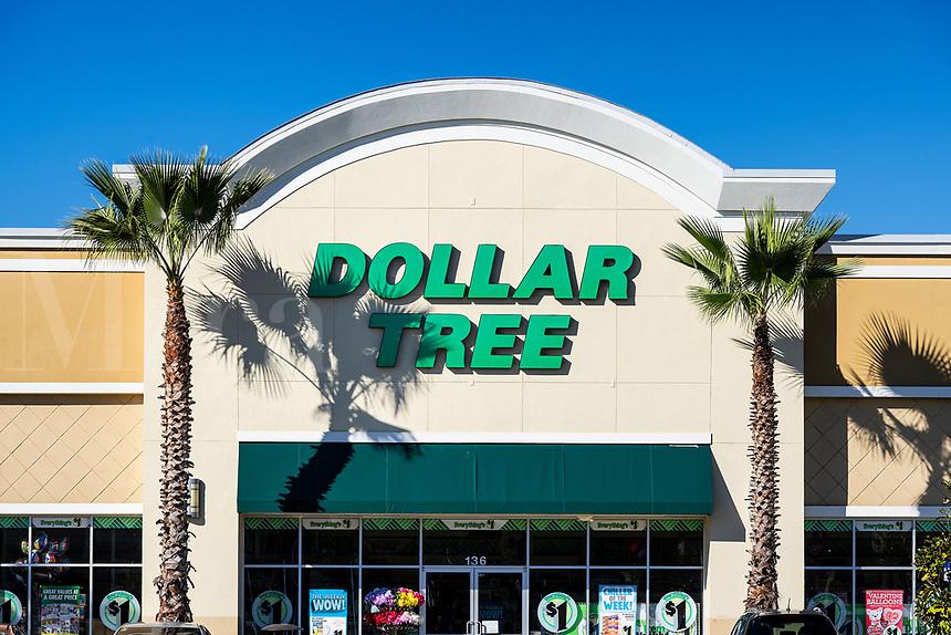 Dollor Tree store exterior and sign, Orlando, Florida, USA.