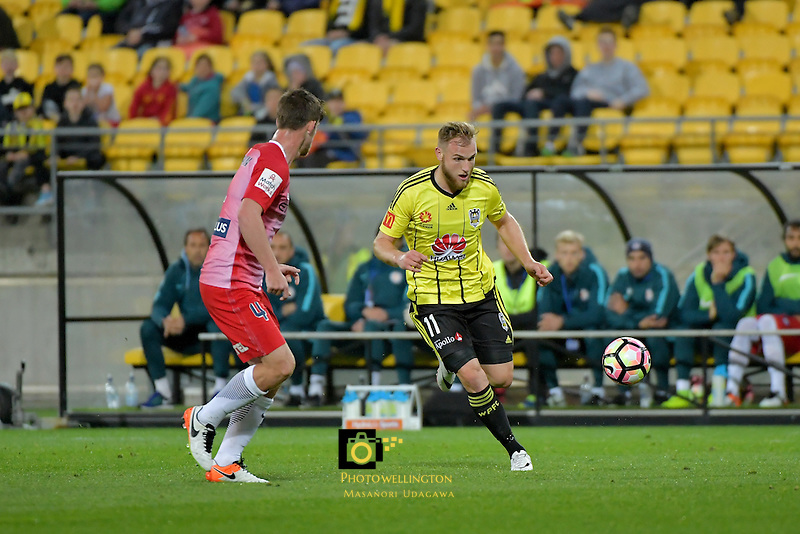 Wellington Phoenix&rsquo;  Hamish Watson in action during the A League - Wellington Phoenix v Melbourne City FC at Westpac Stadium, Wellington, New Zealand on Saturday 8 October 2016.<br /> Photo by Masanori Udagawa. <br /> www.photowellington.photoshelter.com.