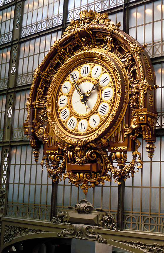 France, Paris, Musee d'Orsay. Cloc