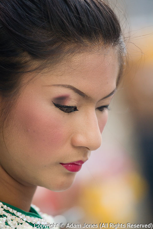 Dancer in traditional Thai costume, Erawan Shrine, Bangkok, Thailand