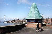 Nederland Rotterdam  26 maart 2018.  Brugwachtershuisje op de Koninginnebrug.. Foto Berlinda van dam / Hollandse Hoogte