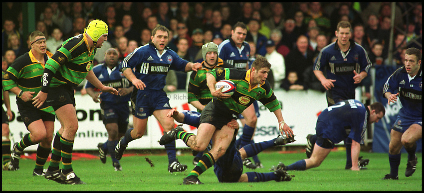 Photo: Phil Brown.Ben Cohen of Northampton tries to find a gap in the Allied Dunbar Premiership match against Northampton on Saturday. Rugby Union. 22/4/00