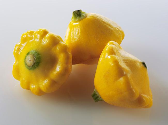 Mini yellow Petit Pan squash