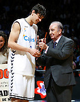 Cajasol Sevilla's Tomas Satoransky (l) winner in the dunk contest during ACB Supercup Final match with the ACB's Prtesident Eduardo Portela.September 25,2010. (ALTERPHOTOS/Acero)