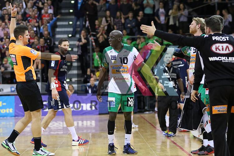 Flensburg, 25.03.15, Sport, Handball, DKB Handball Bundesliga, Saison 2014/2015, 26. Spieltag, SG Flensburg-Handewitt - Frisch Auf! G&ouml;ppingen : 2 Minuten Zeitstrafe gegen Kevynn Nyokas (Frisch Auf! G&ouml;ppingen, #10)<br /> <br /> Foto &copy; P-I-X.org *** Foto ist honorarpflichtig! *** Auf Anfrage in hoeherer Qualitaet/Aufloesung. Belegexemplar erbeten. Veroeffentlichung ausschliesslich fuer journalistisch-publizistische Zwecke. For editorial use only.